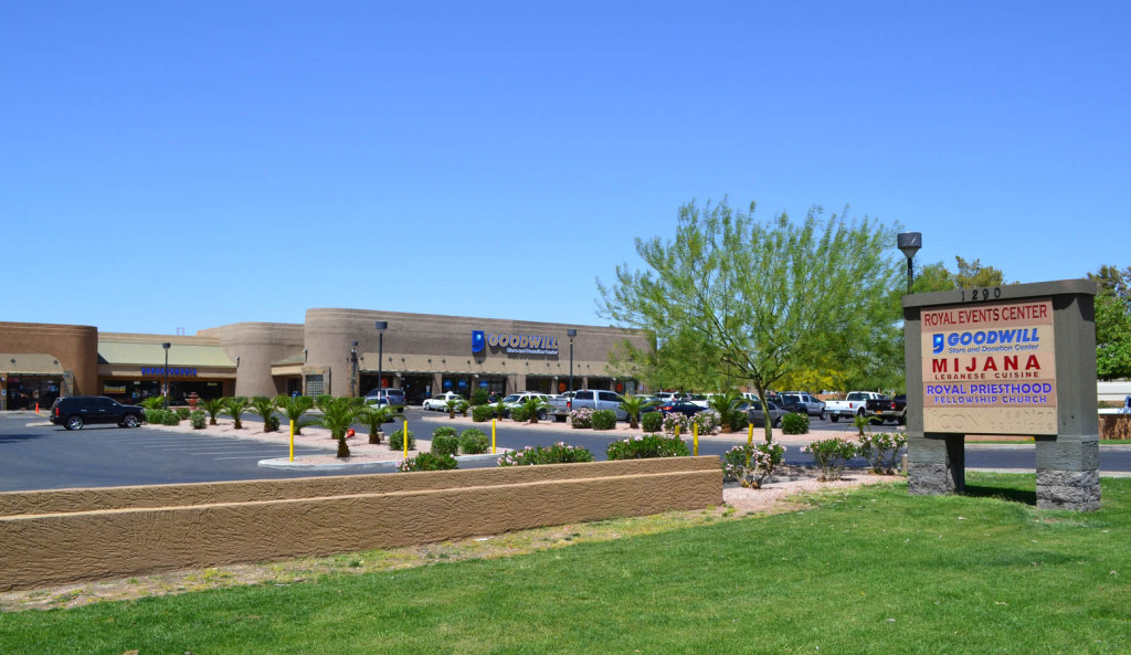R&G commercial real estate retail leasing at 1290 N Scottsdale Rd, Tempe, AZ. Property photo at Rio Salado Courtyard
